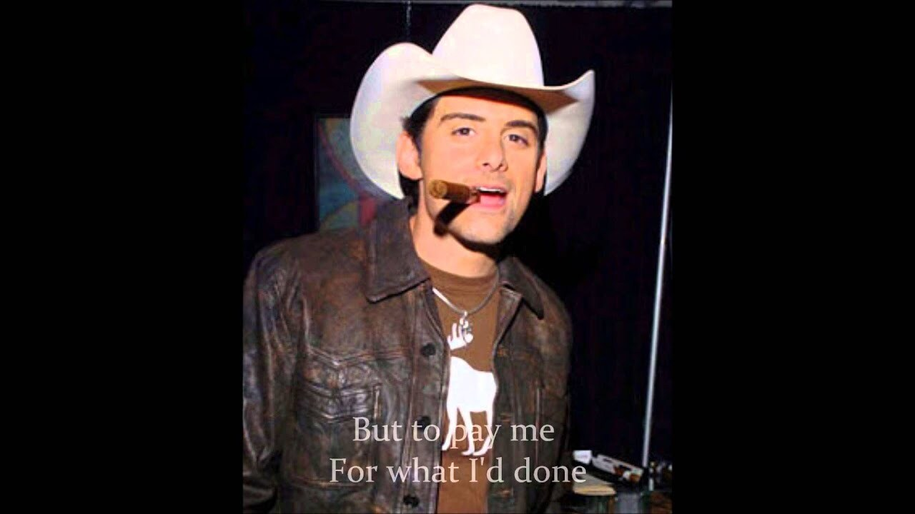 Brad Paisley is one of the many musicians who agrees that cigars and country music make a perfect combination.